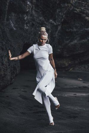 Bílé bavlněné šaty