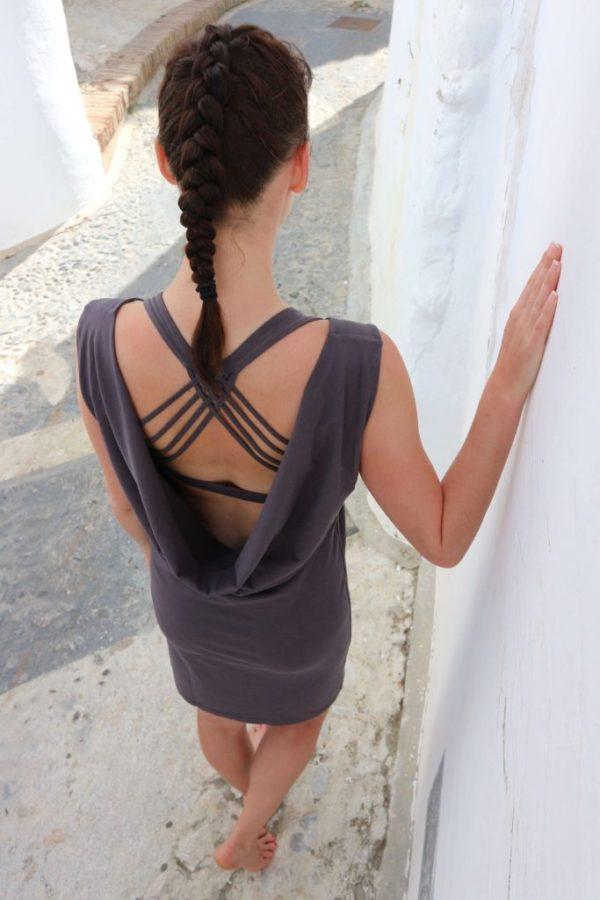 Bavlněné šaty s odhalenými zády